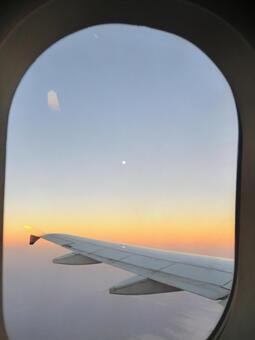 在飞机上飞行