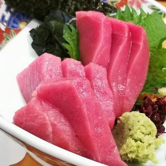 Tuna sashimi tuna tuna